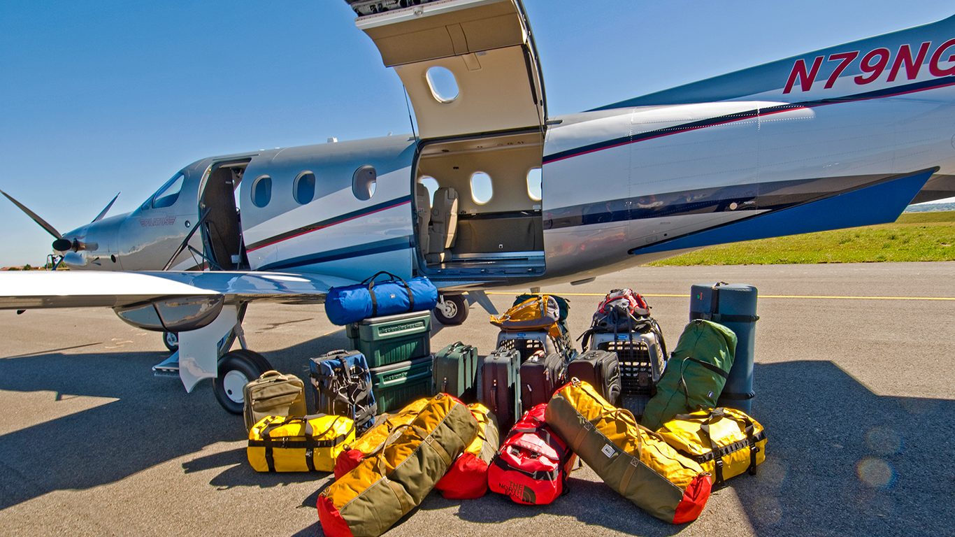 Pilatus PC-12 cargo
