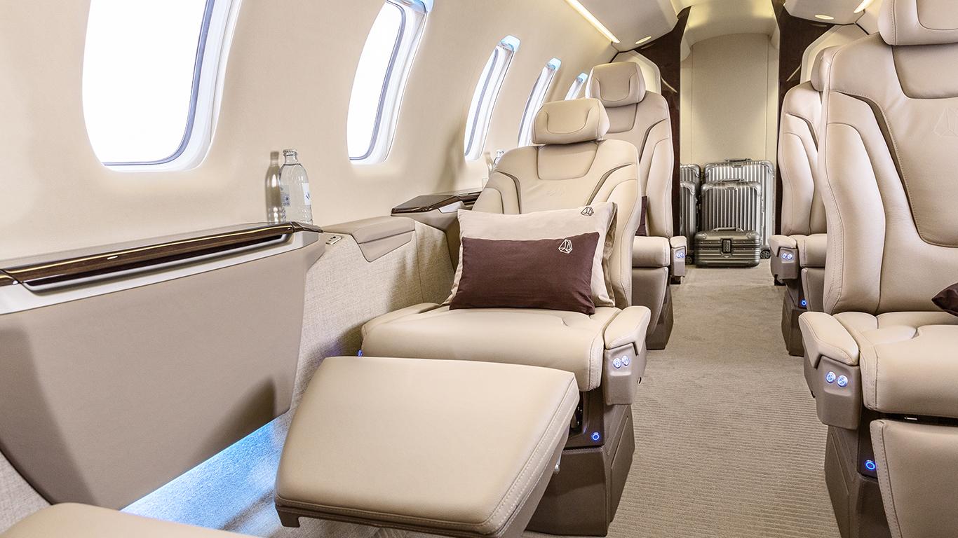 Pilatus PC-24 recline seat