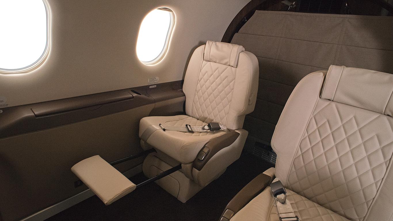 Pilatus PC-12 recline seat